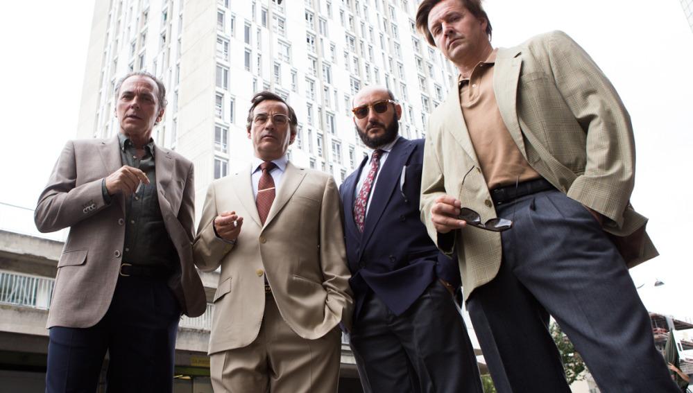 Atresmedia cine featurette de 39 el hombre de las mil for Banda sonora de el jardin secreto