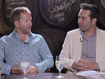 Nos vamos de bares con los compadres, Alfonso Sánchez y Alberto López, que presentan 'El Mundo es Suyo' en Málaga